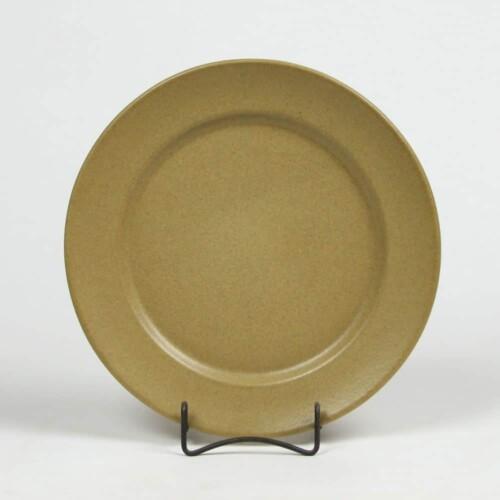 Go Green Earthware Classic Dinner Plate