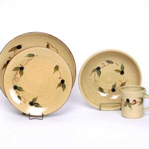 Tuscan Olive Craftline Dinner Plate Set for One