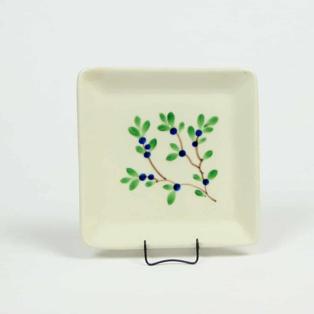 emerson-creek-pottery-blueberry-app-plate
